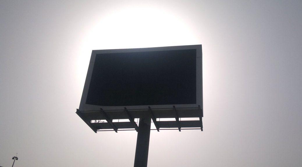 INVESTTECH PRODUCENT wynajem ekranów i band led na imprezy i eventy mobilne ekrany LED CENNIK CENY